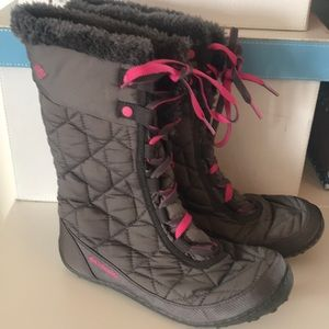 Columbia Boots In Pink and Gray Size 6,so stylish